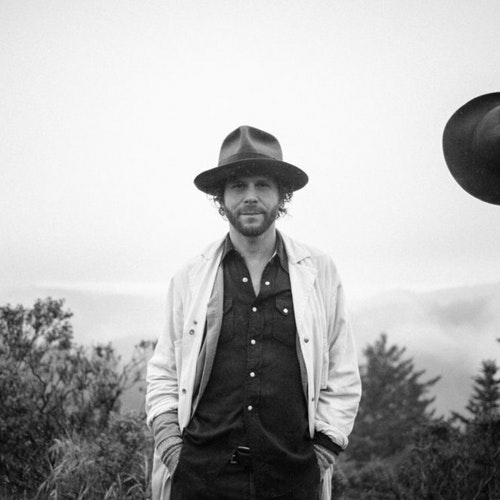 Langhorne Slim pontificating in the wild.jpg