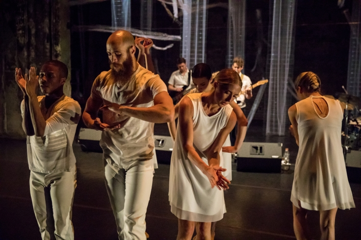 Ensemble in 'Isotope' by HATCH Dance.jpg